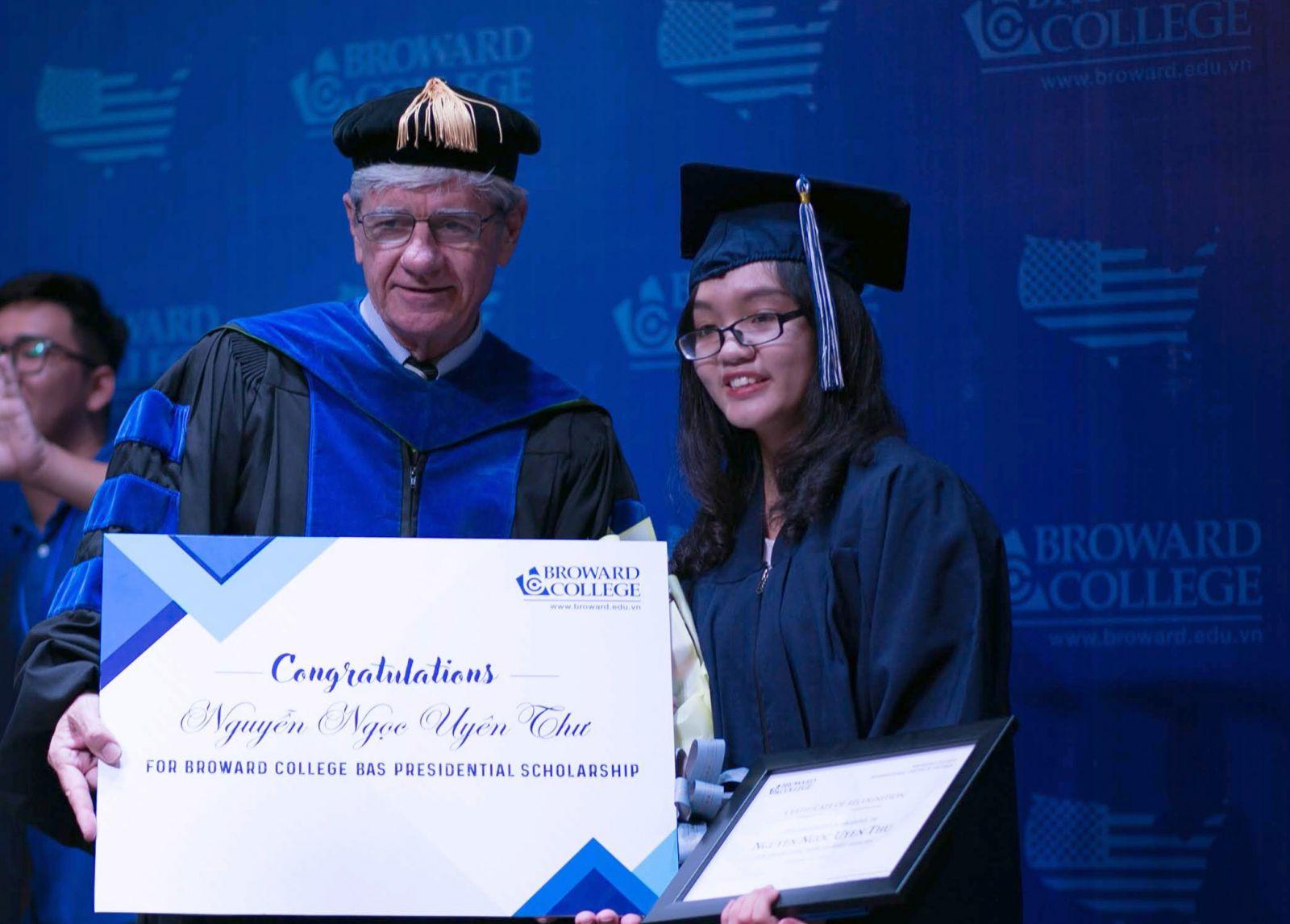 Sinh viên Nguyễn Ngọc Uyên Thư
